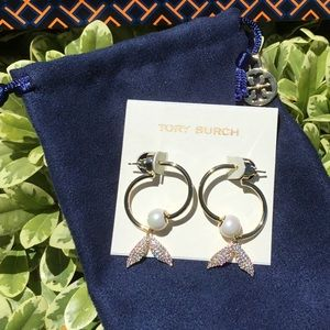 🛍Tory Burch Mermaid/pearls earrings